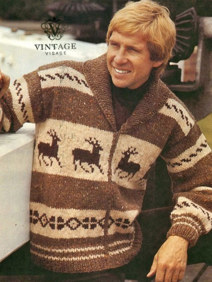Mens Reindeer Christmas Winter Jumper Knitting Pattern Aran